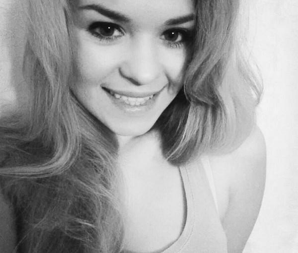 Blonde Stunner CinderellaX